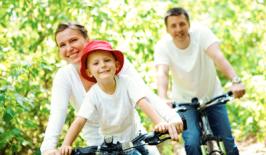 Chicago family biking