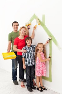 Chicago family painting together date